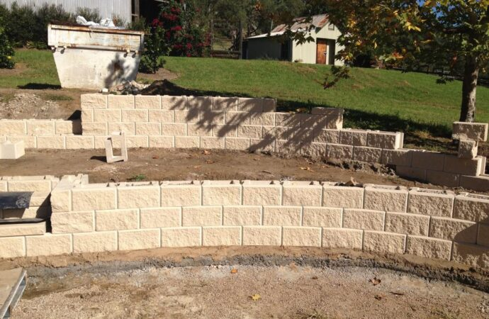Retaining & Retention Walls-Odessa TX Professional Landscapers & Outdoor Living Designs-We offer Landscape Design, Outdoor Patios & Pergolas, Outdoor Living Spaces, Stonescapes, Residential & Commercial Landscaping, Irrigation Installation & Repairs, Drainage Systems, Landscape Lighting, Outdoor Living Spaces, Tree Service, Lawn Service, and more.